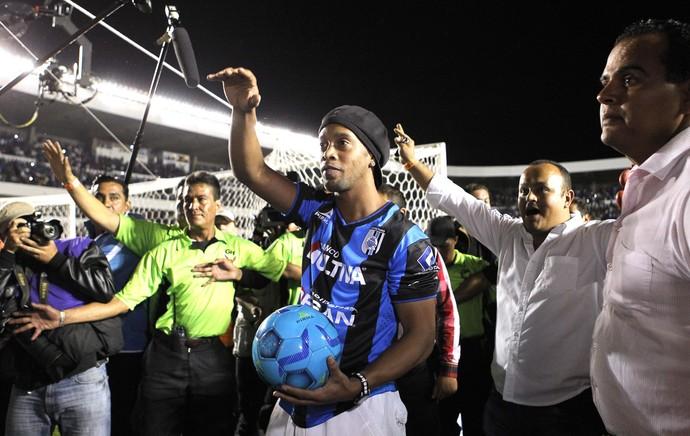 Ronaldinho Gaucho, Queretaro X Puebla (Foto: Agência EFE)