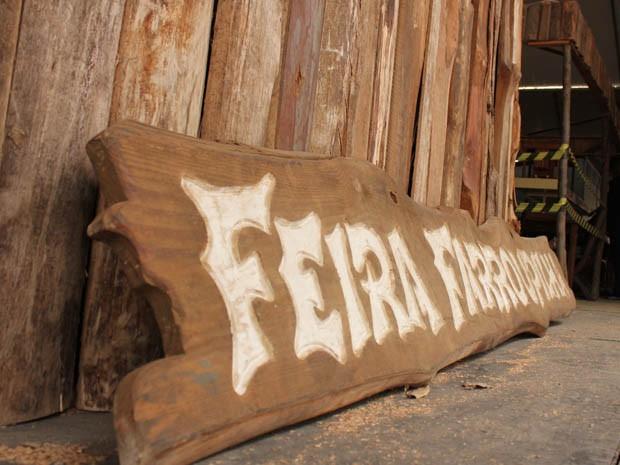 Feira de Artesanato no Acampamento Farroupilha (Foto: Fernando Lopes/G1)