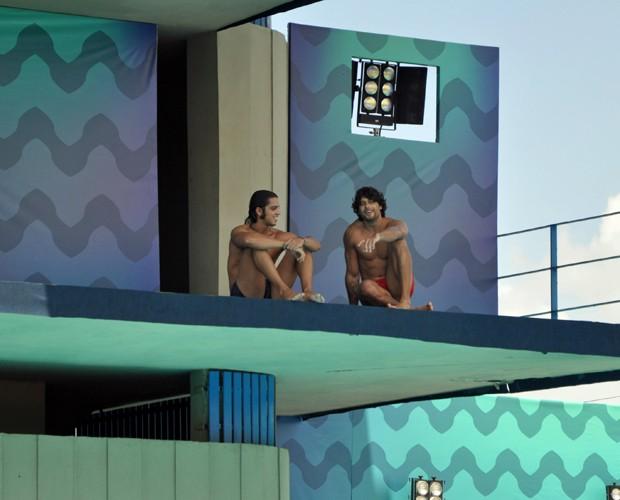 Simas e Luz conversam durante treinos  (Foto: Marina Siqueira/ Gshow)
