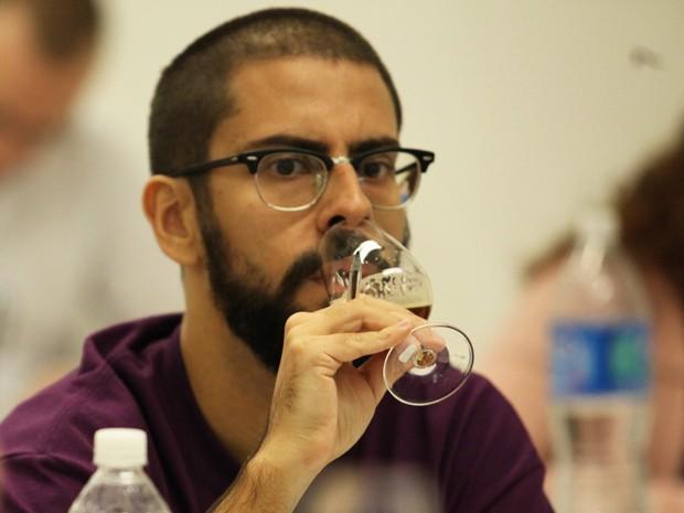 Gil Lebre Abbade é eleito o melhor sommelier de cerveja do Brasil (Foto: Glauco Araújo/G1)