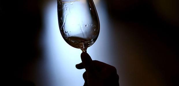 Como limpar, secar e guardar taças de vinho (Foto: Justin Sullivan/Getty Images)