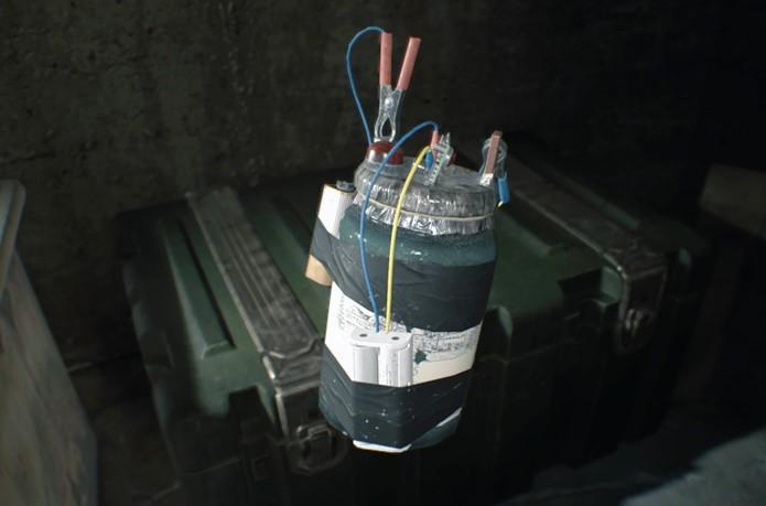 Bombas de Resident Evil 7 derrubam inimigos e causam dano de área (Foto: Reprodução/Felipe Demartini)