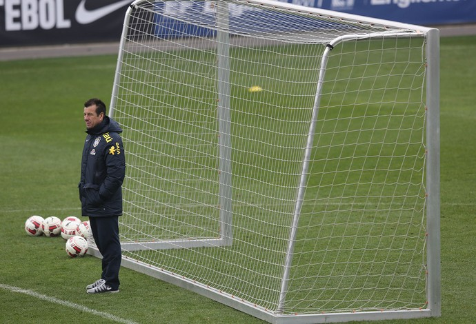 Dunga treino Seleção (Foto: Bruno Domingos / Mowa Press)