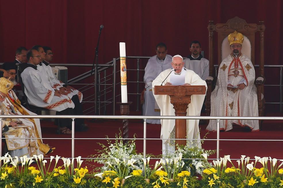 O papa Francisco reza missa em Cairo, capital do Egito (Foto: Amr Abdallah Dalsh/Reuters)