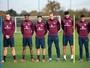 Ingleses prestam homenagem a franceses em treino e em Wembley