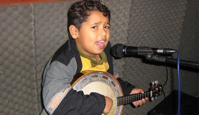 Juan foi incentivado a cantar por familiares  (Foto: Arquivo Pessoal)