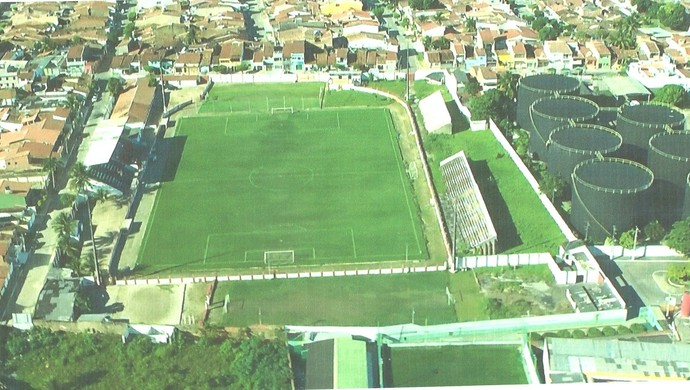 Vista aérea do Estádio Severiano Gomes Filho em 2012 (Foto: Arquivo / Museu dos Esportes)
