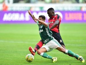 Palmeiras X Vitória lance pênalti Cleiton Xavier (Foto: Marcos Ribolli)