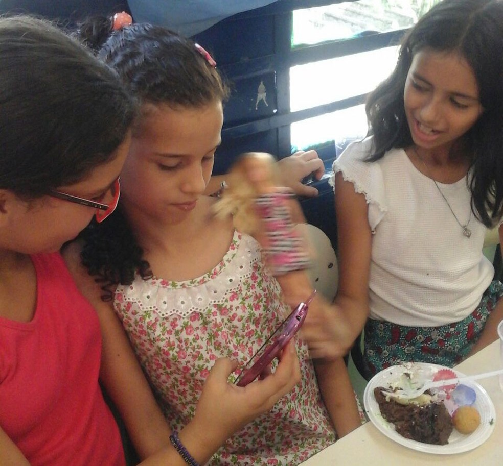 Laura, Yasmin e Mariana são melhores amigas. (Foto: Arquivo pessoal)
