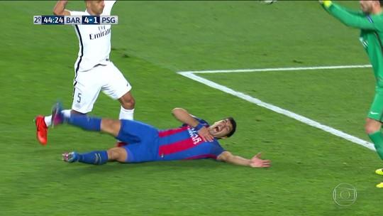 """Cantona dispara contra Suárez: """"Deixou de ser mordedor e agora é saltador"""""""