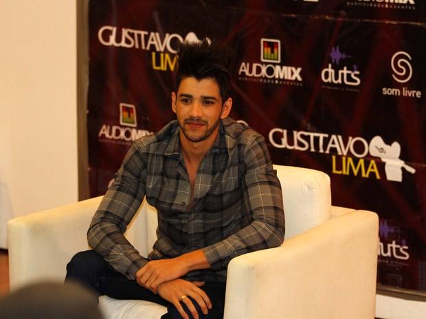 Gusttavo Lima em coletiva de imprensa em São Paulo (Foto: Paduardo/ Ag. News)