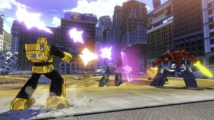 A jogabilidade parece variar bastante, com Bumblebee usando armas, enquanto Optimus e Sideswipe usam espadas (Foto: Reprodução/Gematsu)