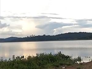 Barragem do Rio Jundiaí no distrito de Taiaçupeba, em Mogi das Cruzes (Foto: Reprodução/TV Diário)