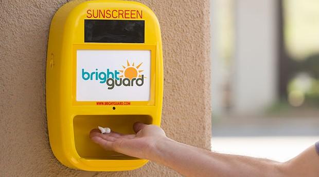 O dispensador de protetor solar da BrightGuard está presente em 50 estados americanos (Foto: Divulgação)