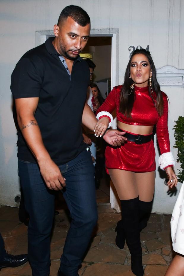 Anitta vai embora após show... (Foto: Manuela Scarpa/Brazil News)