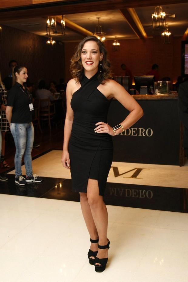 Adriana Birolli em evento no Rio (Foto: Vera Donato/Divulgação)