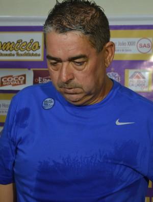 Domício Leite, presidente e técnico do Lucena (Foto: Amauri Aquino / GloboEsporte.com/pb)