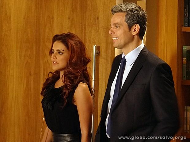 Rosângela pressente que Garcez vai arruinar sua chance (Foto: Salve Jorge/TV Globo)