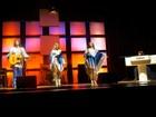 Espetáculo apresenta hits do grupo Abba no Teatro Isba, em Salvador