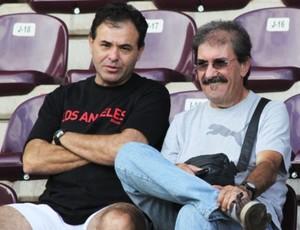 Juninho, presidente, e Dela Torre, diretor de futebol, da Ferroviária (Foto: Leonardo Fermiano / AFE)