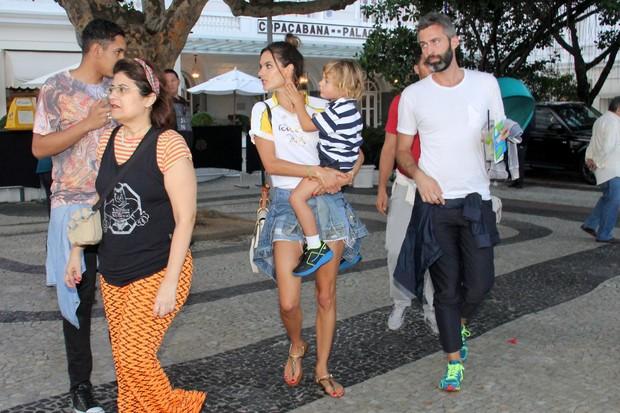 Alessandra Ambrósio (Foto: Wallace Barbosa e J.Humberto/AgNews)