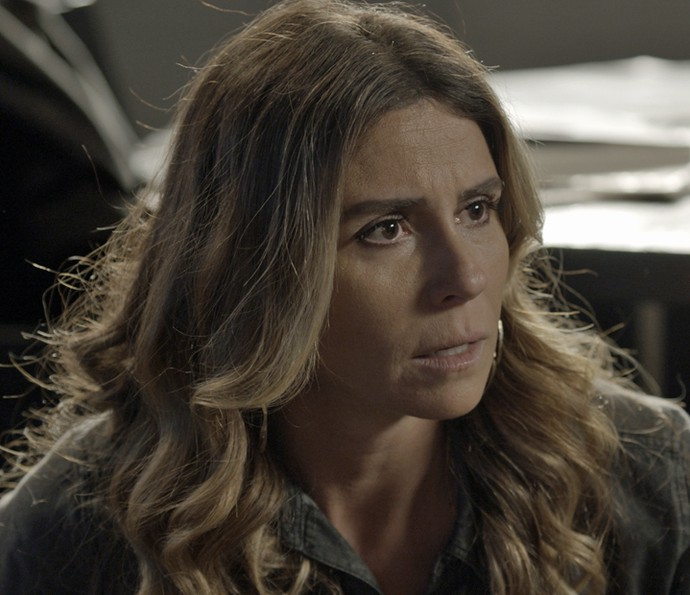 Atena fica furiosa com Romero (Foto: TV Globo)
