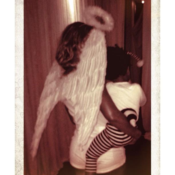 Ego Beyonce Se Transforma Em Anjo Para Comemorar O Halloween Com A Filha Noticias De Famosos