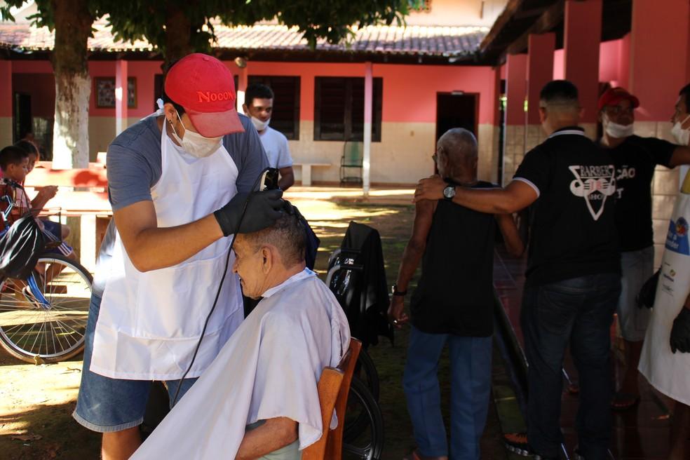Ação durou cerca de duas horas e meia, até que todos os moradores fossem atendidos (Foto: Júnior Freitas/G1)