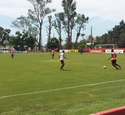 Flamengo treino Ninho (Foto: Fred Gomes / GloboEsporte.com)