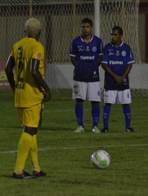 Bibi, atacante do Confiança (Foto: Felipe Martins/GloboEsporte.com)