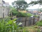 Muro do zoológico que caiu após chuva começa a ser reconstruído