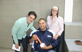 Medalhista no Parapan de Toronto recebe homenagem em Taubaté