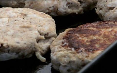 Hambúrguer de frango caseiro