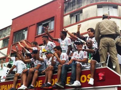 operário-pr carreata paranaense título campeão (Foto: Reprodução/RPC)