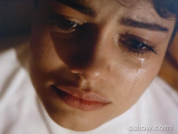 Duda chora ao lembrar de noite com Bruno (Foto: O Rebu / TV Globo)