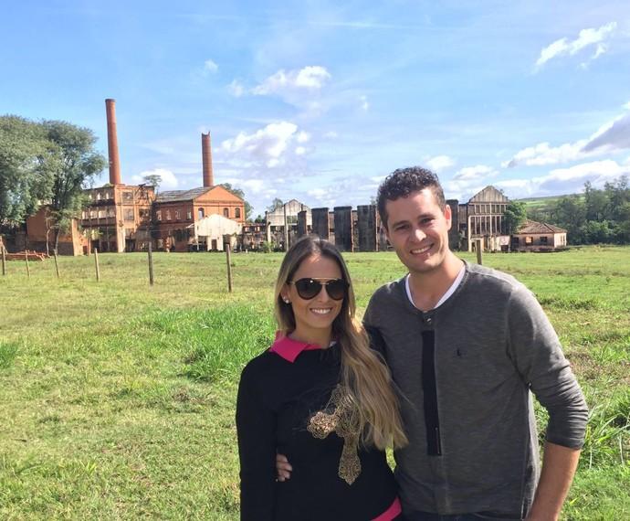 Aline Lima e Pedro Leonardo foram para Piracicaba (SP) conhecer os encantos do bairro Monte Alegre (Foto: reprodução EPTV)