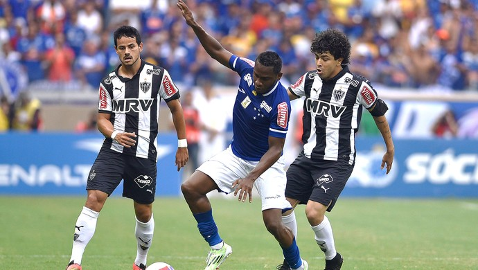 Willians Cruzeiro X Atlético-mg (Foto: Douglas Magno)