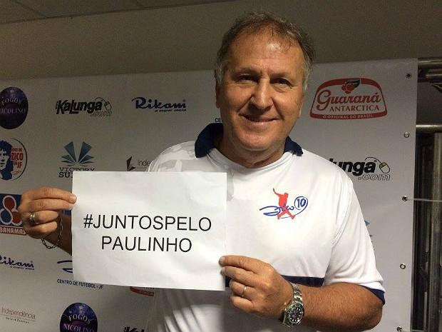 Zico faz foto para campanha #JuntospeloPaulinho em Juiz de Fora (Foto: Assessoria/Divulgação)