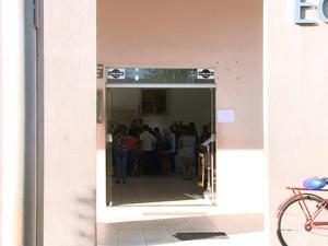 Familiares e amigos participaram de velório na Capela Ecumênica de Ariquemes (Foto: Rede Amazônica Ariquemes/ Reprodução)