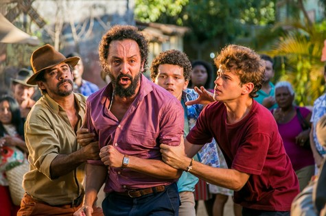 Irandhir Santos numa cena de 'Velho Chico' (Foto: Tv globo/Paulo Belote)