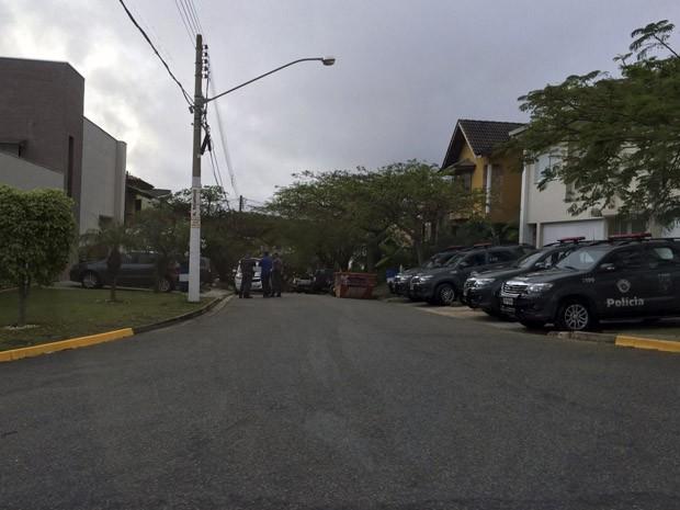 MP cumpre mandados na casa do prefeito e na Prefeitura de Bragança (Foto: Lucas Rangel/ TV Vanguarda)