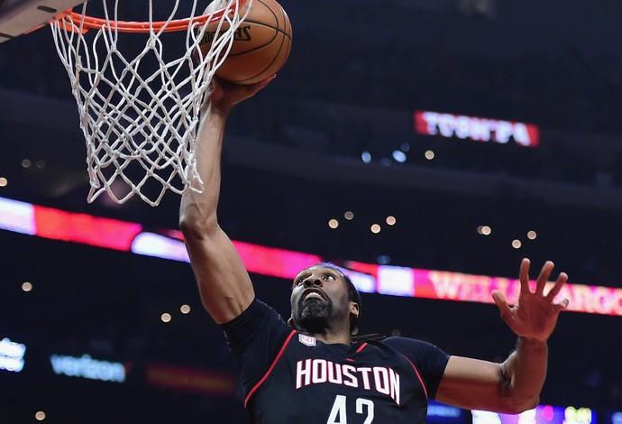 Nene foi bem na vitória do Houston Rockets (Foto: Getty Images)