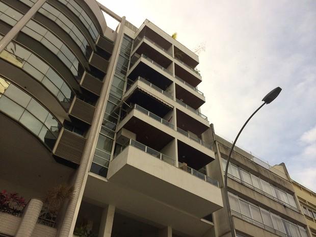 Mulher caiu de varanda de apartamento em Ipanema (Foto: Janaína Carvalho/G1)