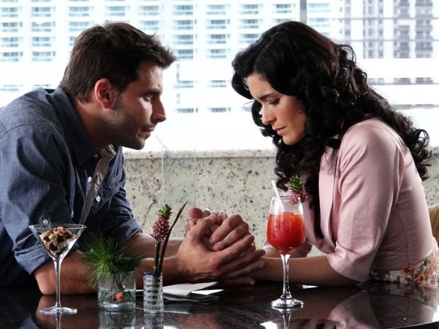 Cristal com novo amor? (Foto: Vila dos Ventos / TV Globo)