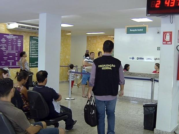 Após mortes por superbactéria, HMI passa por fiscalização e é autuado em Goiás (Foto: Reprodução/TV Anhanguera)