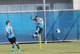 Luan, Giuliano e Everton se destacam em tarde de treino de finalizações