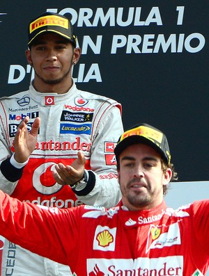 Alonso e Hamilton no pódio GP da Itália (Foto: AFP)