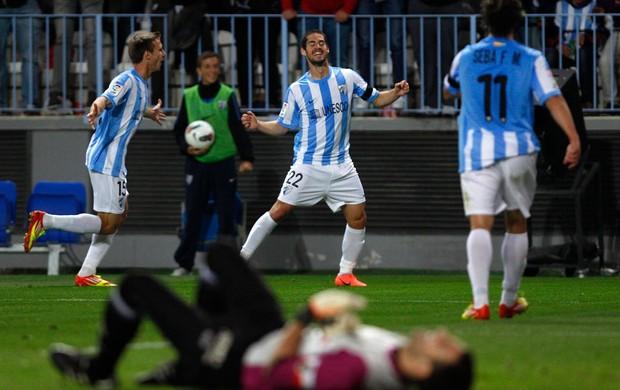 Ignacio Monreal, Isco e Sebastian Fernandez gol Malaga (Foto: Reuters)