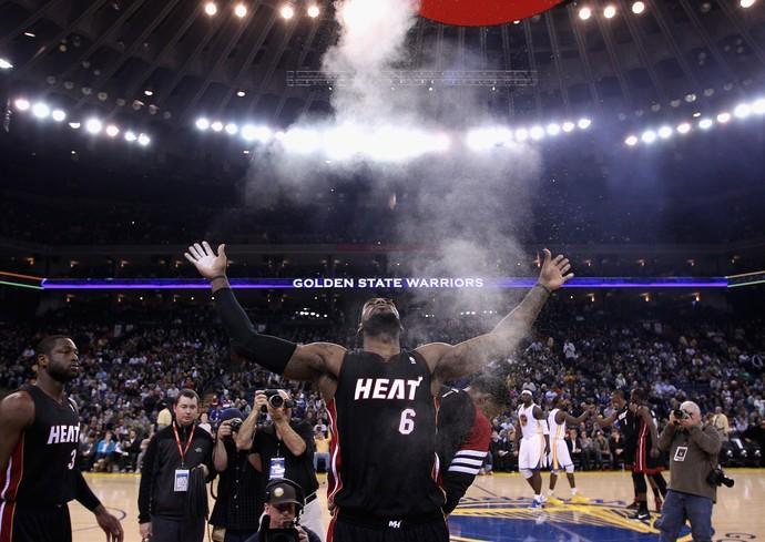 basquete lebron james ritual talco miami heat 2012 (Foto: Getty Images)