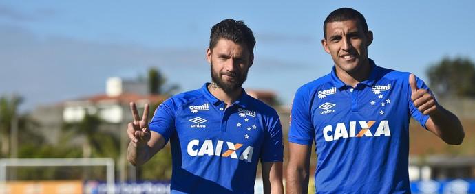Rafael Sobis; Ramón Ábila; Cruzeiro (Foto: Light Press)